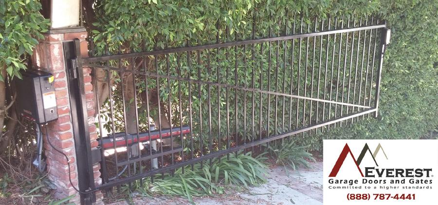 Gallery everest garage doors gates