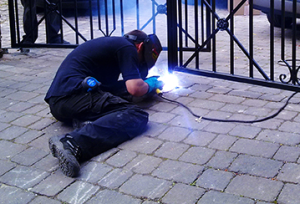 Everest offers high quality Hermosa Beach gate repair services.